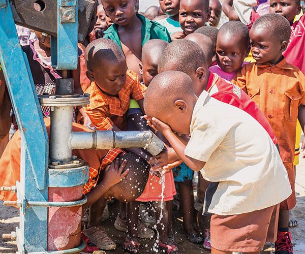 Children at waterpump
